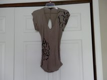 Grey And Black Flower Tunic in Fort Riley, Kansas